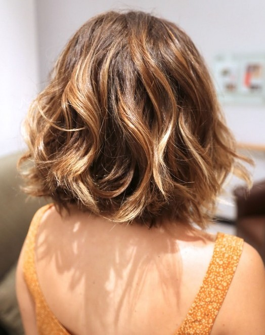 Short Wavy Haircuts for Women: Short Hair Back View