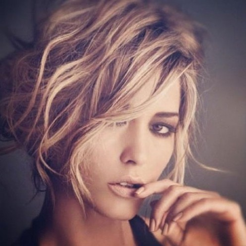 Short Wavy Haircuts for Women: Trendy Messy Hairstyle