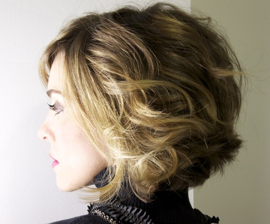 20 Best Short Wavy Haircuts For Women