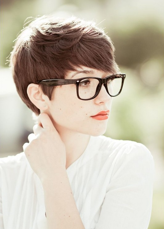 Easy Office Hairstyles for Women: Pixie Haircut