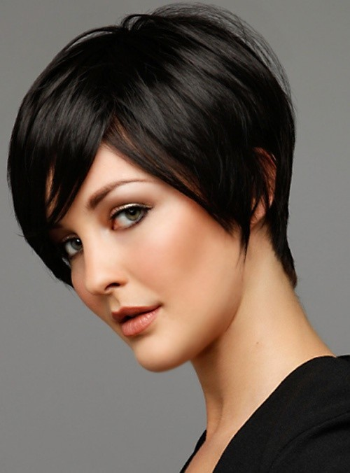Easy Office Hairstyles for Women: Short Haircut for Fine Hair