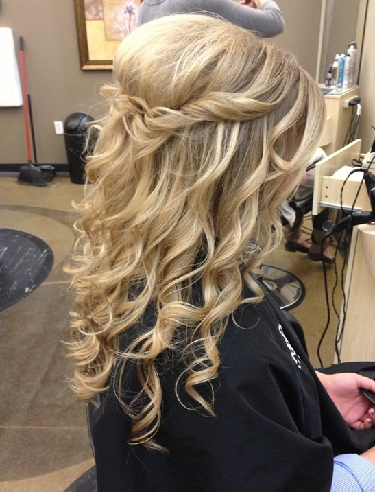 Perfect Prom Hairstyles For Long Hair: Cute Simple Hairstyle