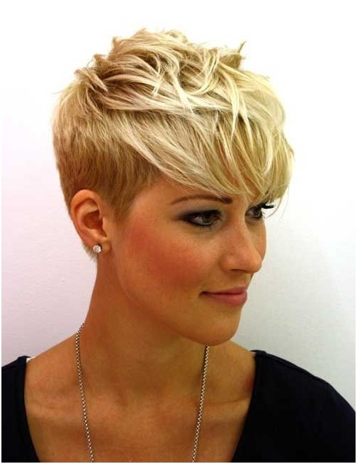 Short Haircuts for Summer: Boyish Pixie Cut