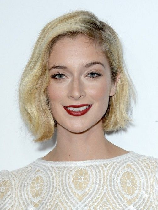 Caitlin Fitzgerald Short Hairstyles: Classic Blonde Bob Cut