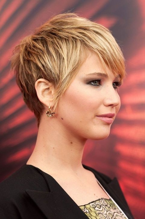 Cute Short Layered Haircut for Thick Hair: Side View