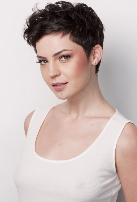Cute Wavy Pixie Hair Styles: Easy Haircuts for Women