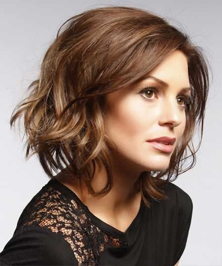 Loose Waves Hair Style: Brown Short Hair