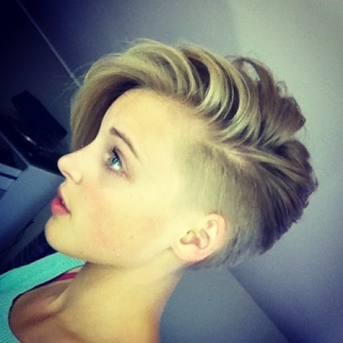 Short Pixie Hairstyle with Side Bangs: Girls Short Haircuts