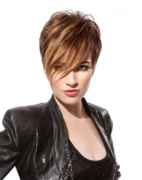 Trendy Short Hairstyles for Long Face