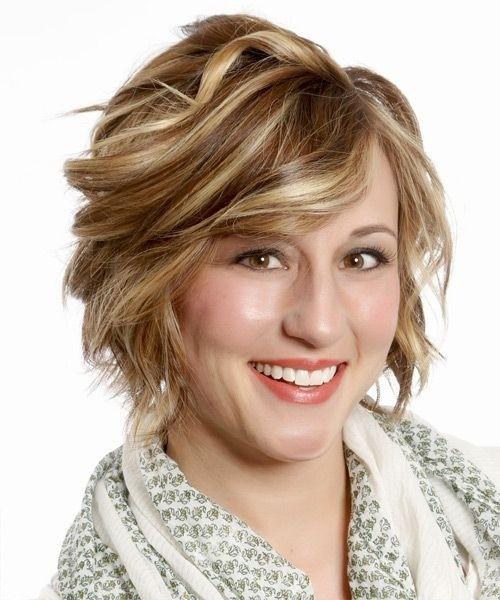 Work Hairstyles for Short Hair: Formal Wavy Haircut