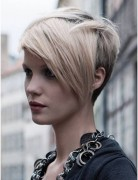Adorable Pixie Haircut: Short Hairstyles for Side Long Bangs