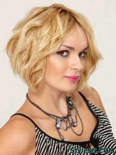 Blonde Wavy Bob Haircut: Summer Hair Styles for Short Hair