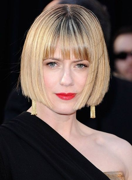 Blunt Bob Hairstyles: Blonde Short Hair for Women Over 40