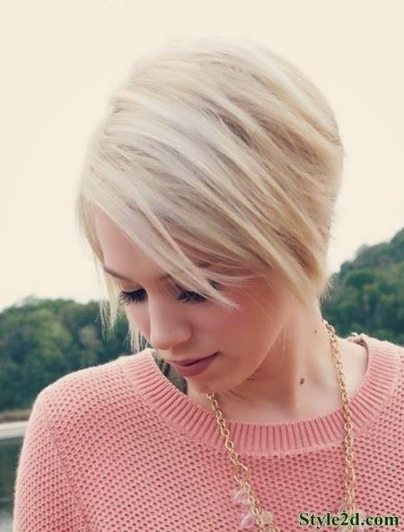 Light Blonde Bob Haircut for Short Hair