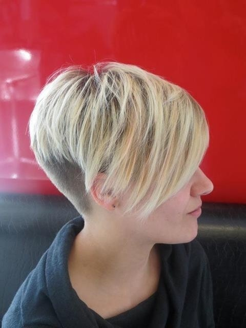 Very Short Hair with Side Long Bangs: Straight Pixie Haircuts / Via