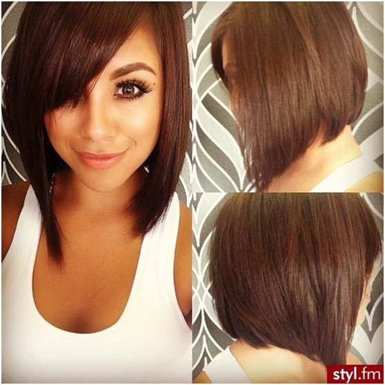 Line Bob Hairstyles: Medium Straight Bob / Via