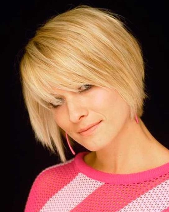 Blonde, Chin-Length Hairstyles for Women: Straight Short Hair