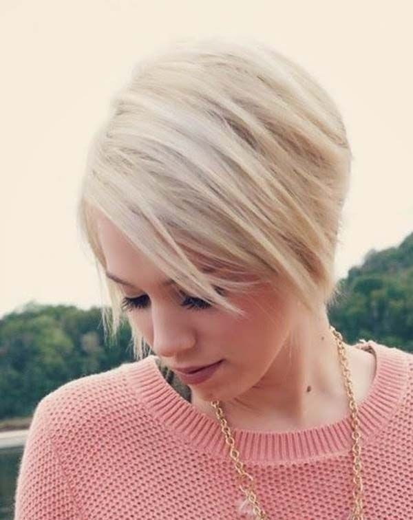 Chic Short Hairstyle for Straight Hair: Easy Haircuts for Women and Girls