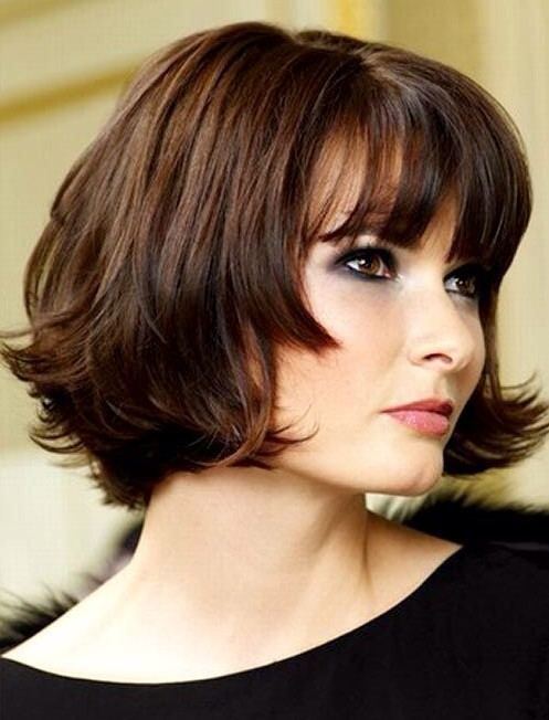 Cute Chin-Length Hairstyles for Short Hair: Bob with Blunt Bangs / Via