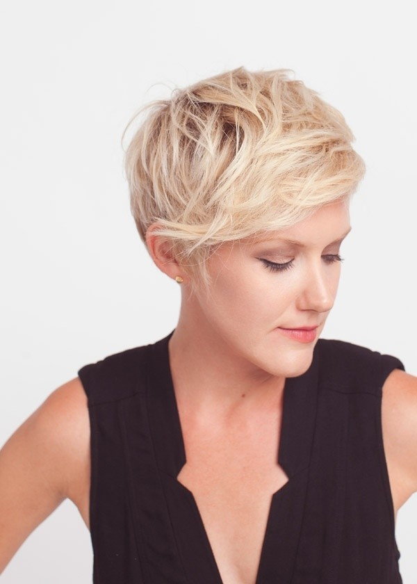 Cute Messy Pixie Haircut: Short Hair for Long Face