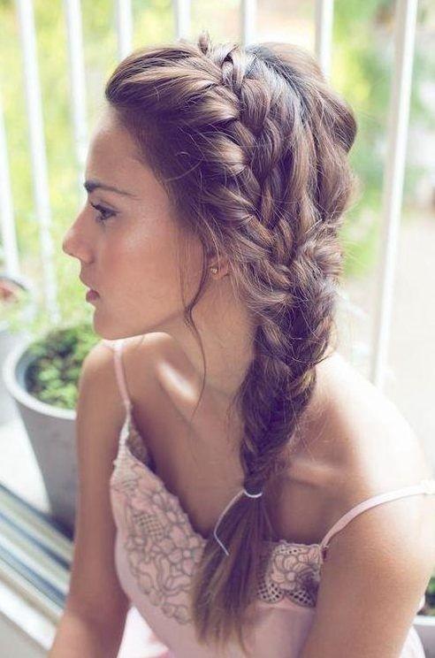 Cute Side Braided Hair: Holiday Hairstyles