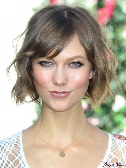 Cute Wavy Short Hair: Karlie Kloss Hairstyles