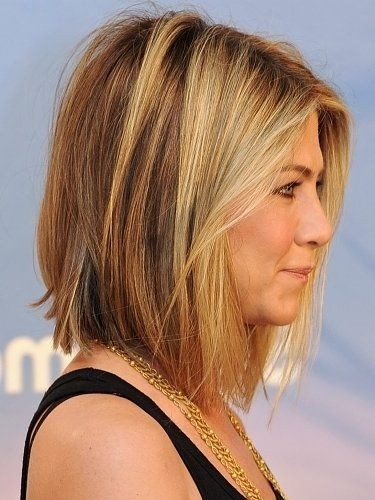 Long Bob Haircut: Jennifer Aniston Short Hairstyles / Via