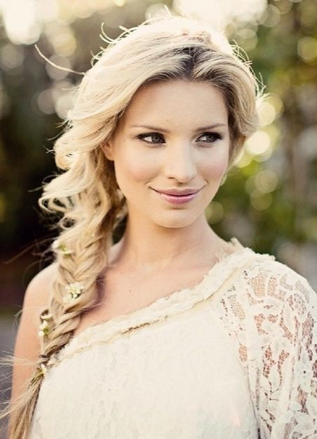 Side Braid: Loose Braided Hairstyles
