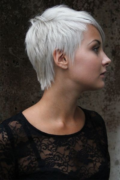 Wispy Hairstyles for Very Short Hair: Women Haircuts / Via