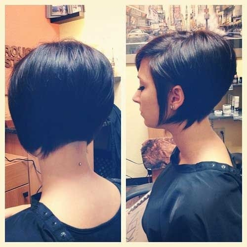 Back View Of Short Bob Hairstyle / Via