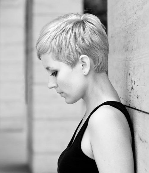 Beautiful Layered Pixie Cut for Fine Hair