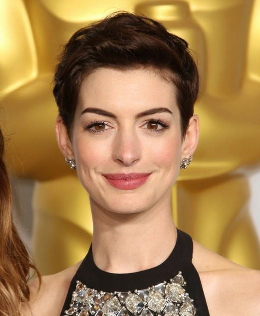 Celebrity Short Haircuts: Anne Hathaway Pixie