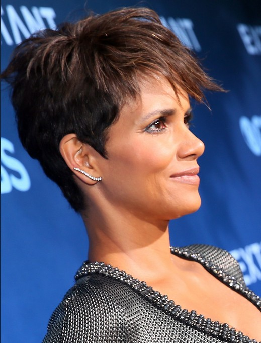 Celebrity Short Haircuts: Halle Berry Pixie 2014 – 2015 /Getty ...