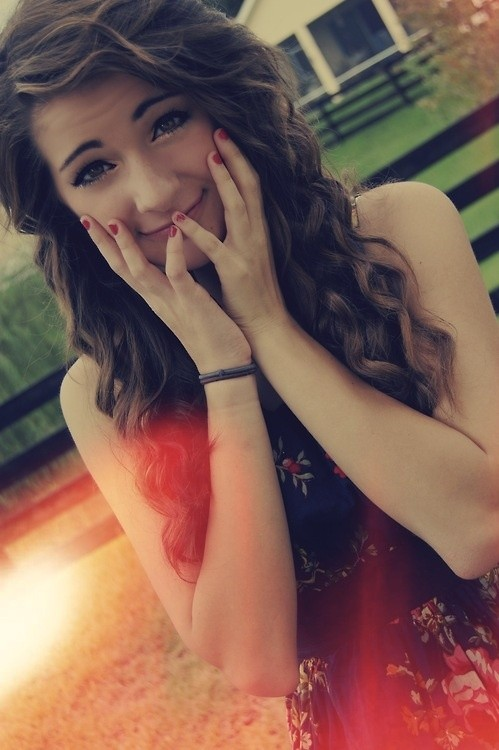Girls Hairstyles: Cute Long Curly Hair