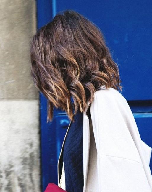 Medium Layered Hairstyles for Wavy Hair
