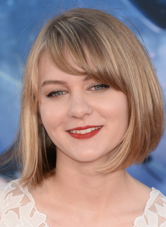 Ryan Simpkins Bob Haircut: Short Hairstyles for Round Face