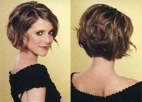 Short Stacked Bob Hairstyles for Wavy Hair
