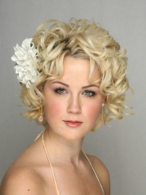 Bridesmaid Hairstyles for Short Hair: Wedding Hair Ideas