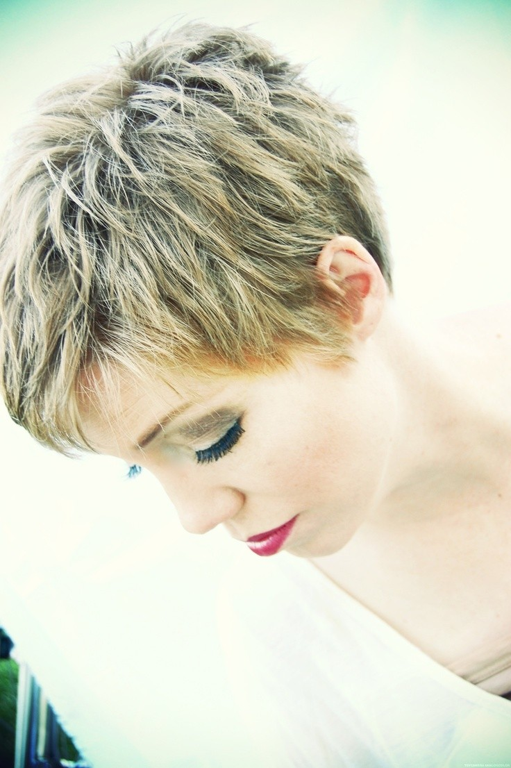 Simple Short Hairstyles: Pixie Haircut for Thick Hair