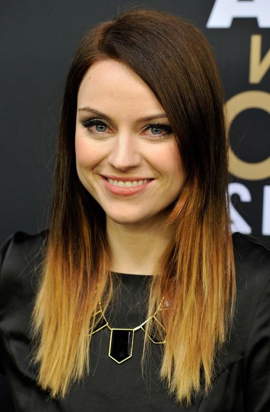 Amy Macdonald Trendy Dip Dye Ombre Hair