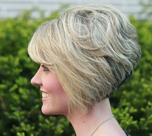 Inverted Stacked Bob Haircut: Women Short Hairstyles for Thick Hair