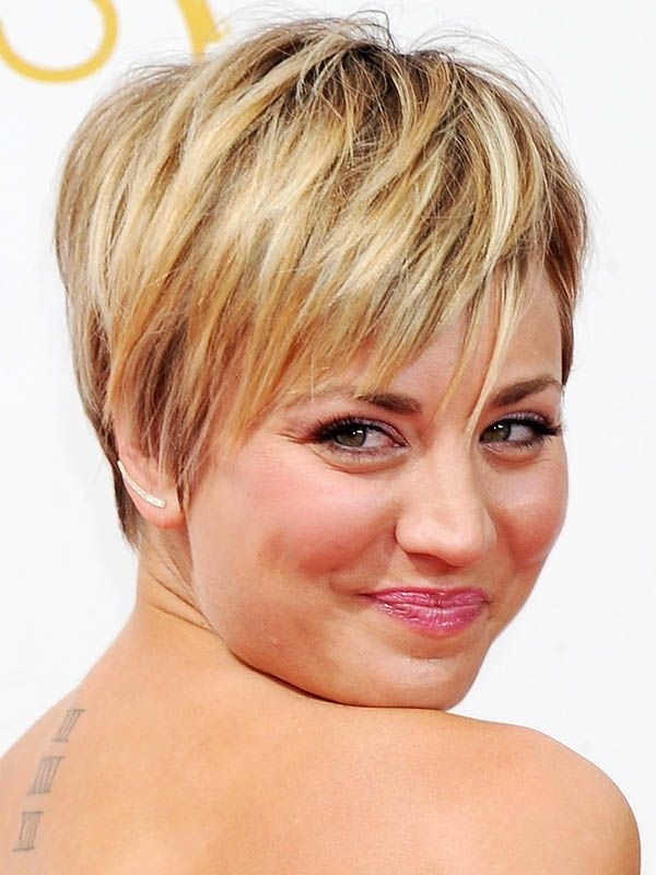 Kaley Cuoco Haircut: Short Hairstyles for Round Face Shape