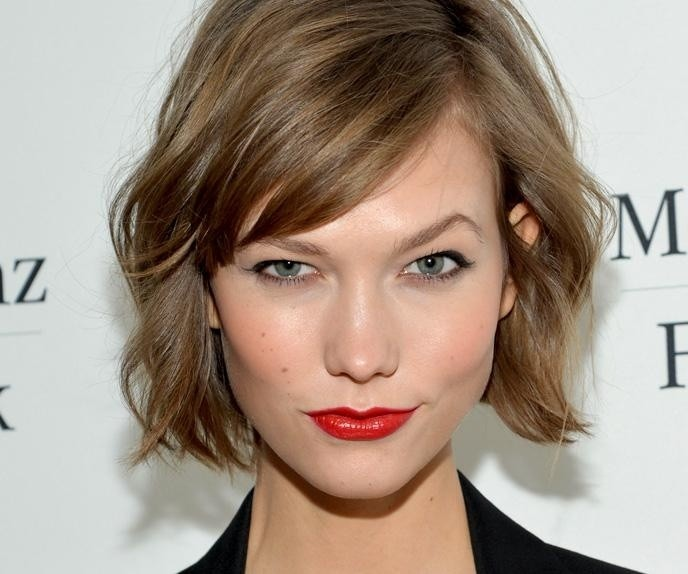 Loose, Short Wavy Hairstyle with Side Bangs