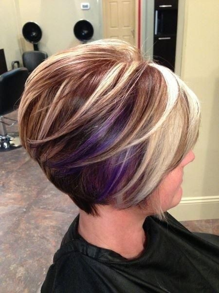 Pretty Short Hair and Color for Women / Via