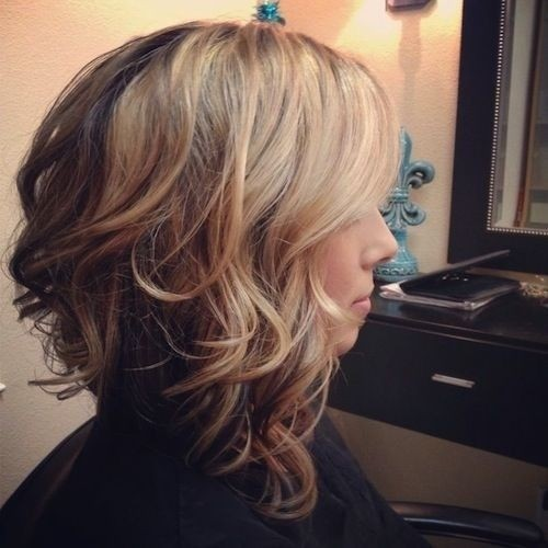 Stylish Ombre Hairstyle for Wavy Hair - Medium Length Haircuts