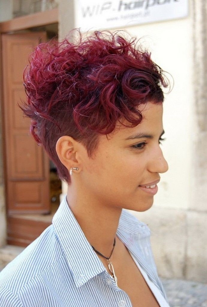 Short Hairstyle Ideas for Thick Hair: Short Layered Hairstyles