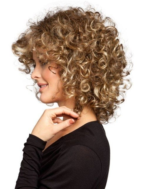 Women Haircut for Curly Hair - Hairstyles for Thin Hair