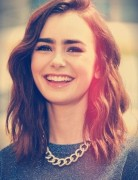 Lily Collin Medium Wavy Hair