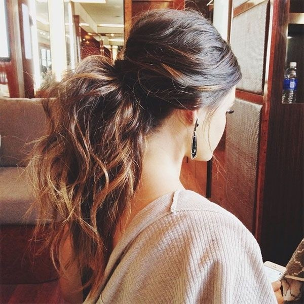 Messy Ponytail for Girls - Best Long Hairstyles for Spring 2015 Coafuri și tunsori pentru primăvară 2018 Coafuri și tunsori pentru primăvară 2018 Messy Ponytail for Girls Best Long Hairstyles for Spring 2015