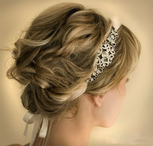 10 pretty wedding updos for short hair popular haircuts. Black Bedroom Furniture Sets. Home Design Ideas